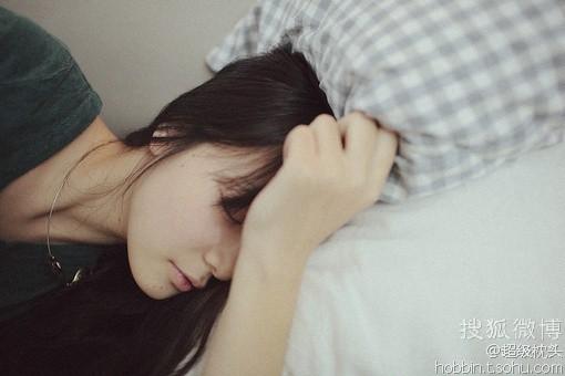 交替枕頭 – 改善早上起床的頸部 不適   3